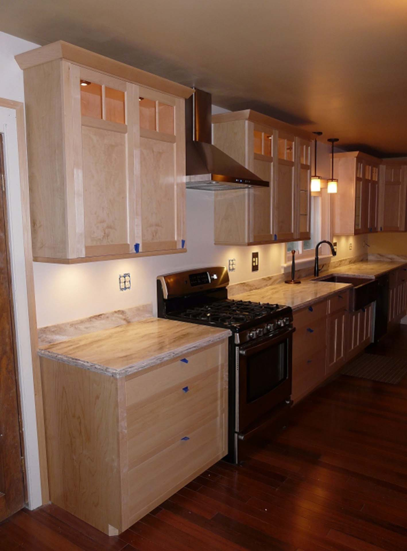 Craftsman-Maple-Kitchen-Long-Run-591x800